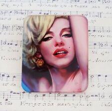 Kitsch Quirky années 50 années 60 glamour Marilyn Imprimé Acrylique Broche Badge Broche 50 mm