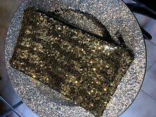 TRES JOLIE TROUSSE DE MAQUILLAGE EN SEQUIN OR