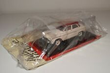 TT 1:24 HACHETTE SIMCA ARONDE P60 ELYSEE 1960 CREAM RED MINT BOXED