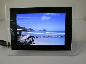 Phillips Digital Photo Frame w/accessories  7FP2FPA27