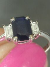 Pretty 18ct White Gold Sapphire & Baguette Diamond Ring. Size R