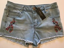 New Women's ROMEO & JULIET COUTURE Light Denim Embroidered Short Shorts Size M