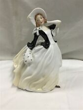 "New ListingBeautiful Royal Doulton Figurine: Autumn Breezes Hn2147 7.5"" 1955-71 Bone China"