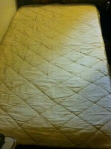 VINTAGE Antique Off White Quilted Diamond Cream Satin Taffeta Bed Spread Cover