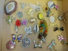 job lot of mixed period brooches jewellery
