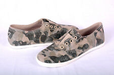 NEW ($59) Guess Women's Slip On Canvas Sneakers. 8M. Camo. 100% Authentic