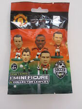 MANCHESTER UNITED SOCCER STARZ MINI FIGURE & COLLECTOR LEAFLET BOUGHT IN UK