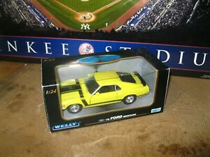 WELLY Collectable 1/24 Diecast  1970 Yellow Ford Mustang Boss 302 w/ Box