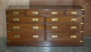 STUNNING VINTAGE OAK & LEATHER MILITARY CAMPAIGN SIDEBOARD BANK OF DRAWERS
