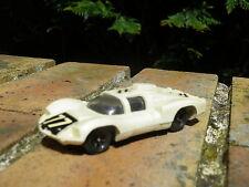Mini CHAMPION 1/60 : CHAPARRAL 2D blanche très bon état, pas de boite.