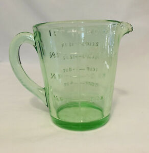 Green Depression Glass - 1 pint measuring jug. Mint condition