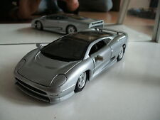 Maisto Jaguar XJ220 in Grey on 1:24