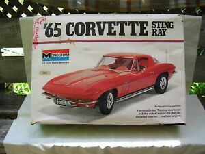 1975 1/8 Scale Monogram '65 CORVETTE STING RAY / Looks Complete Barely Started
