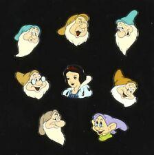Pin's Blanche Neige Assortiment de pin's, Blanche-Neige et les 7 nains, Disney
