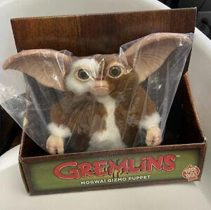 Trick or Treat Studios Gizmo Gremlins Mogwai Puppet Prop