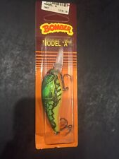 "Bomber B07AXC5 2-5//8/"" Model-A Deep Runner Apple Red Crawdad 14384"