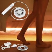 Tira de sensor LED PIR Luz de cama activada por movimiento Funciona con pilas
