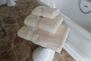 Cazsplash Organic Cotton 650gsm High Quality Cream Towel Set