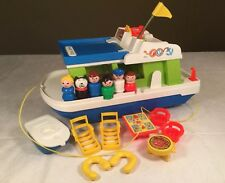 Vintage Fisher Price Little People Happy Houseboat 985 Play Family House Boat