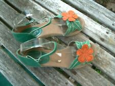 STACATTO/GREEN LEATHER/FLOER DETAIL/WEDGE HEEL SANDALS/SIZE 4/37