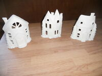C-0611 Christmas Village (3) Curved House Fronts Ceramic Bisque U Paint