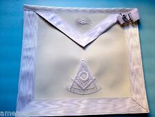 Past Master  Elegant White   Apron White Threads