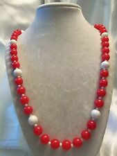 FUNKY COOL Vintage Strand of Assorted Size RED & WHITE Lucite Necklace 15N293