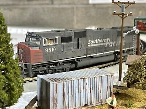 Athearn Genesis Southern Pacific SD70M Soundtraxx DCC and Sound SD70 EMD W/LEDs