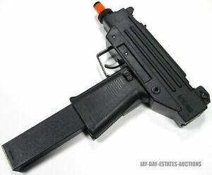 VINTAGE RARE LARAMI UZI GUN WATER LASER MOTORIZED BLACK CLIP & PLUG TESTED 1985