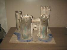 ancien jouet Chateau fort ancien starlux  (ou autre) pour soldats moyen age