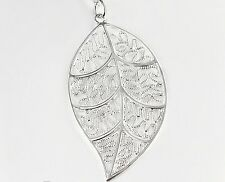 Female Silver Plated Beautiful Leaf Shape Stylish Pendant with chain 18in