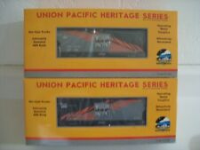 MTH Western Pacific Heritage (2) Bay Centerflow Hopper Car Set (15083 & 15081)