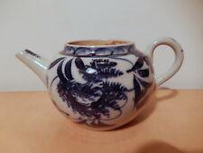 Theiere chinoise porcelaine Chine décor feuillage blanc bleu