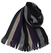 Klassischer Strickschal aus 100% Merinowolle mit Fransen  schwarz/grau gestreift
