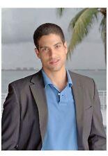 PHOTO LES EXPERTS MIAMI - ADAM RODRIGUEZ   (P1) FORMAT 20X27 CM