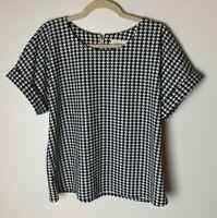 Melloday Women's Top Size Medium Short Sleeves Black White Houndstooth Back Zip