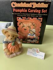 1999 Cherished Teddies Enesco Figurine & Halloween Pumpkin Carving Set 466220Box