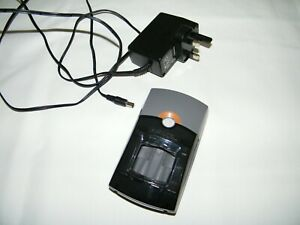 Duracell CEF26UK Battery Charger AA x 4 and AAA x 4, 1 Hour Fast Charge