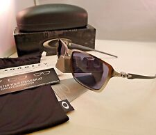 OAKLEY TINCAN CARBON SATIN CHROME WITH GREY SUNGLASSES 6017-01 AUTHENTIC NEW