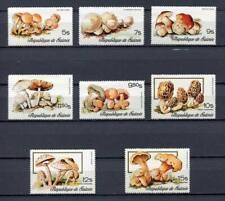 27287) GUINEA 1977 MNH** Nuovi** Mushrooms Funghi 8v