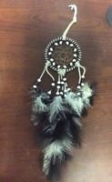 "Dream Catcher With Black & White Feathers 14"" Preowned Spiritual Collectible"
