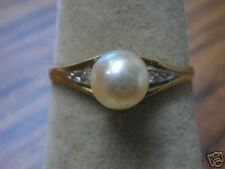 Pearl and Diamond  Yellow Gold Ring 252