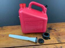 New listing Vintage Nos Rubbermaid 1 Gal. Vented Gas Fuel Can w/ spout Usa Model # 1211