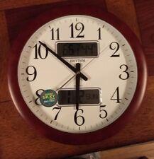 RHYTHM Quartz Estado Wall Clock Digital Date Temperature Humidity