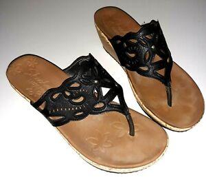 Skechers Luxe Foam Womens 9 Black Perforated Wedge Thong Sandal