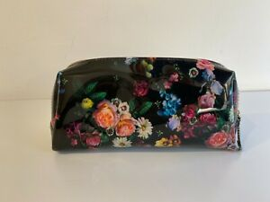 Beautiful Ted Baker Makeup Bag - Brand New