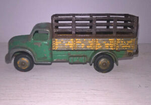 DINKY TOYS DODGE TRUCK