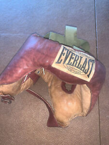 VINTAGE EVERLAST LEATHER BOXING HEAD GEAR -GREAT CONDITION