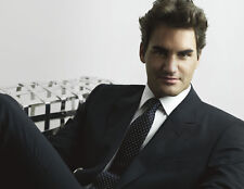 Roger Federer 10 x 8 UNSIGNED photo - P1259 - SEXY!!!!!
