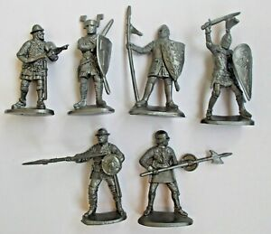 """Set of 6 pcs Medieval Knights Warriors 1/30 Plastic Toy Soldier 60 mm / 2,3"""" NEW"""